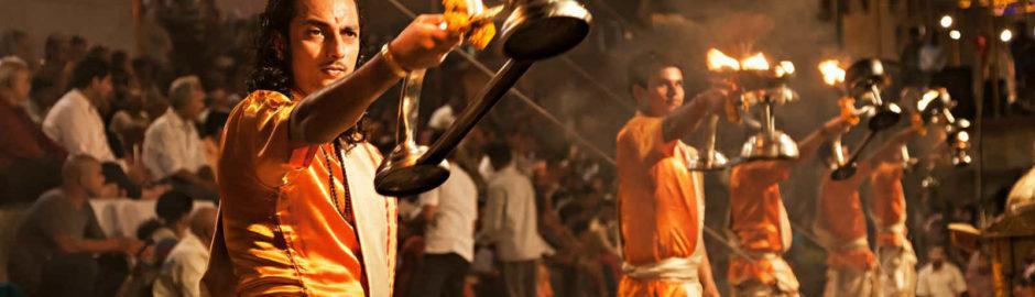 Varanasi_evening_arti